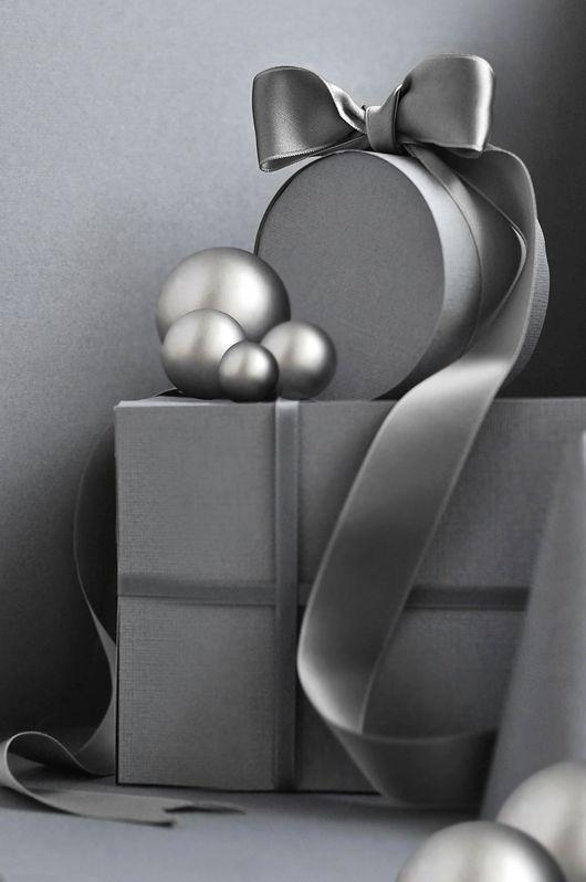 Jul i gråskala inspiration julklappsinslagning advent 2011 trend grått är flott.jpg