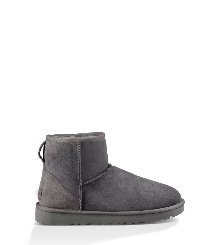 Shop our collection of women's sheepskin boots including the Classic II Mini. Free Shipping