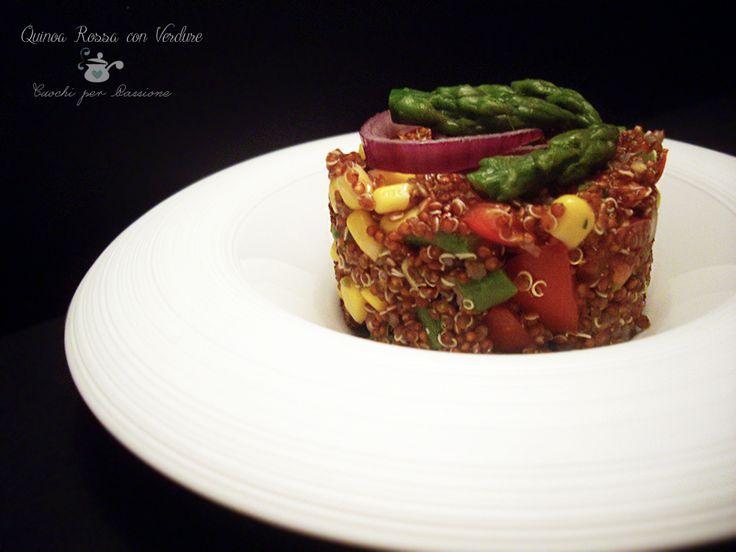 Quinoa rossa con verdure. #ricetta di @ariannaluraschi