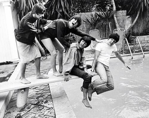 The Beatles. pic.twitter.com/EVe5Nd4mSg