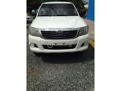 Toyota Hilux 2.5 4x4 17,800 2012 Panamá | HILUX 2012 2.5 4X4 cambios NITIDA EN 17,800