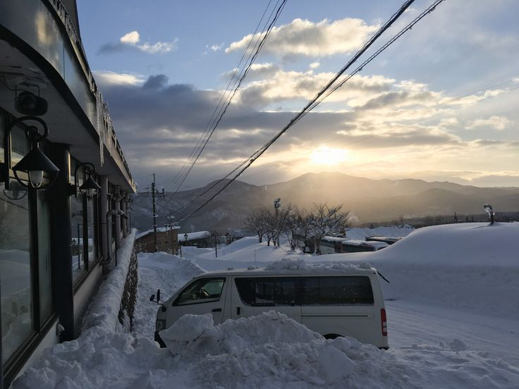 Myoko Snow Report 29 December 2017 Partly cloudy in Myoko. More snow tonight. Myoko Snow Report 29 December 2017: Current Conditions There are just a few clouds about this morning and the sun is shining through. Winds are light and it's -6 degrees in the village. Myoko Snow Report 29 December 2017: 24 Hour Recap …
