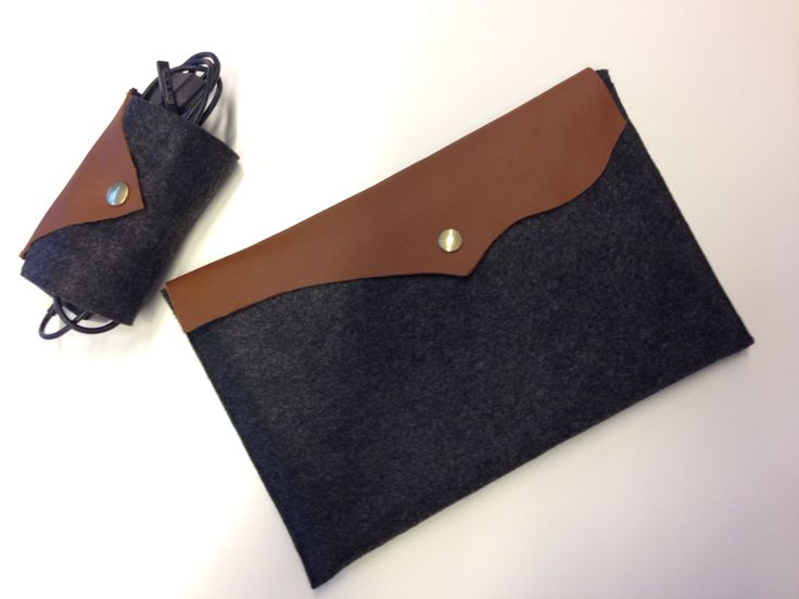 Tablet sleeve inclusing holder for the charger