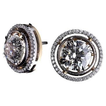 For an Oscar nominee, srsly. Great diamond halo studs by Alexandra Mor. #Earrings Via RingOBlog.com!