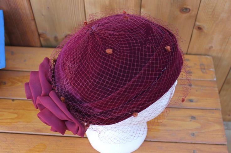 Gorgeous Burgundy Velvet Perch-me-on-your-updo 1950s vintage ladies' veiled hat…