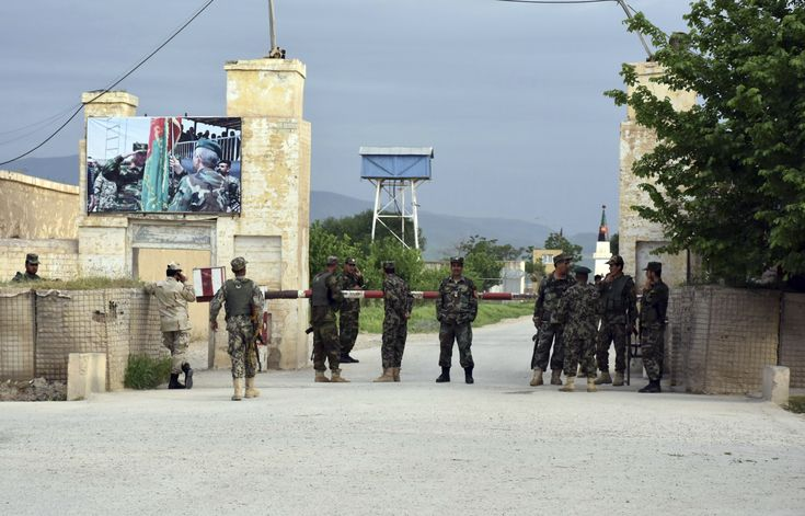 Afghan official: Gunmen attacked army base, 100 casualties