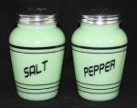 Jade Kitchenware: Vintage Kitchens, Vintage Dishes, Gifts Ideas, Vintage Jadeite, Peppers Shakers, Green, Jadeit Salts, Peppers Vintage, Vintage Style