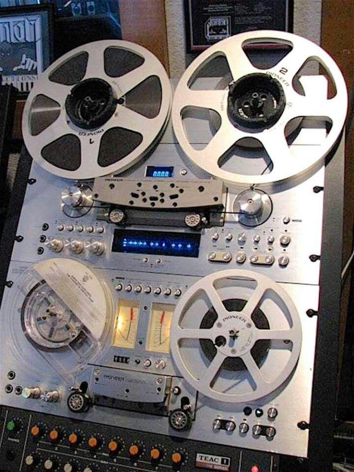 Pioneer Rack - www.remix-numerisation.fr - Rendez vos souvenirs durables ! - Sauvegarde - Transfert - Copie - Digitalisation - Restauration de bande magnétique Audio Dématérialisation audio - MiniDisc - Cassette Audio et Cassette VHS - VHSC - SVHSC - Video8 - Hi8 - Digital8 - MiniDv - Laserdisc - Bobine fil d'acier - Micro-cassette - Digitalisation audio - Elcaset - Cassette DAT Audio