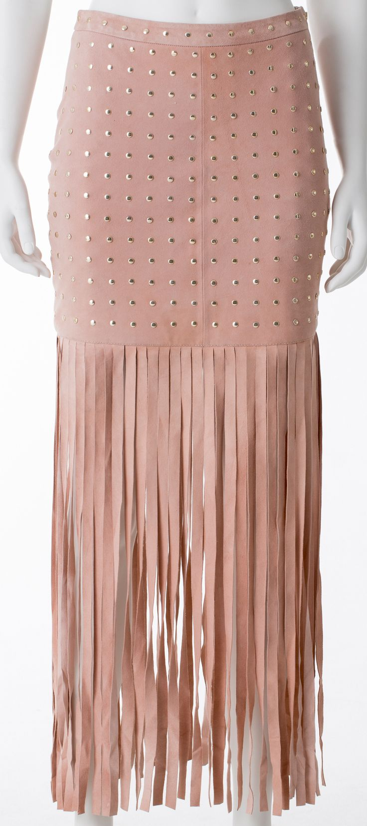 Jupe en suède rose à clous or et franges, MARCIANO, 278$ * Pink suede skirt with fringe and gold studs, MARCIANO, $278