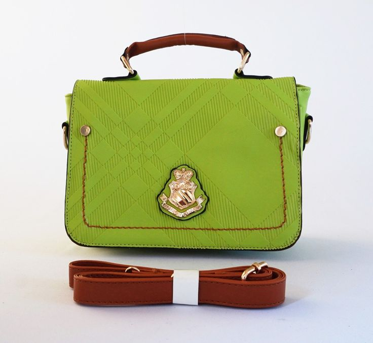 Tas England Classic cantik, elegan casual. Bisa tenteng dan selempang. Warna hijau. Uk 26x14