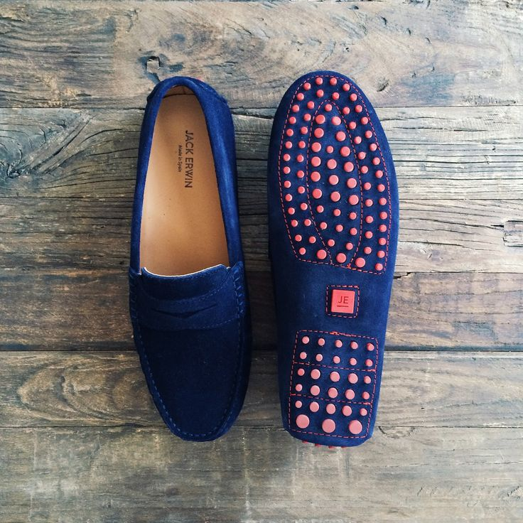 Sometimes you just need to get away. And our Ernie driving loafer can help get you there. He is the rebel of the family – laidback, spontaneous… maybe a bit sarcastic. Basically: he likes to the hit the gas and go. This suede driving loafer is complete with embossed padded insole and custom outsole. Free shipping & returns!