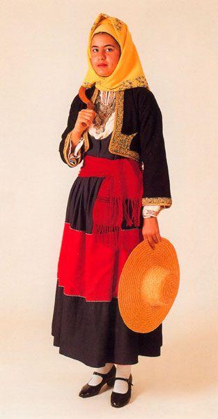 Μεσσηνίων Ήθη...: Παραδοσιακές Φορεσιές: Μάνη!