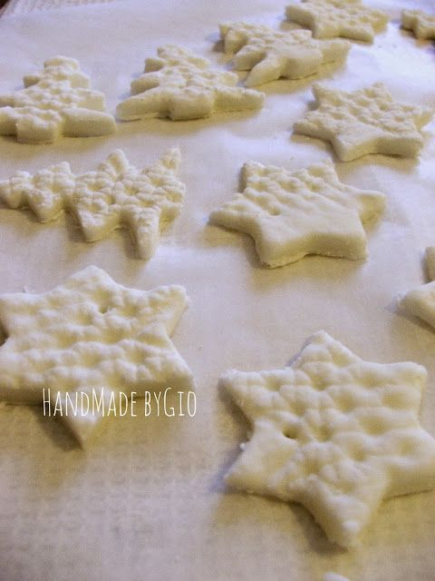 Decorazioni natalizie in pasta di mais: tutorial!