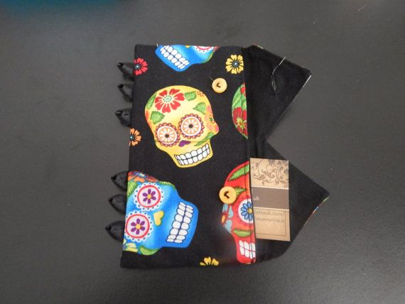 Check out this item in my Etsy shop https://www.etsy.com/listing/211507064/sugar-skull-2-section-personal-size-clip