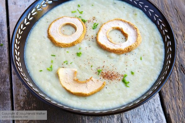 Celery Root and Pear Soup | Vegan/Veggie/Raw | Pinterest