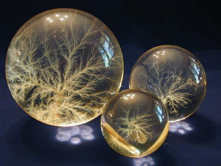 Iluminacion Baño Bauhaus:Más de 1000 imágenes sobre bolas de cristal en Pinterest