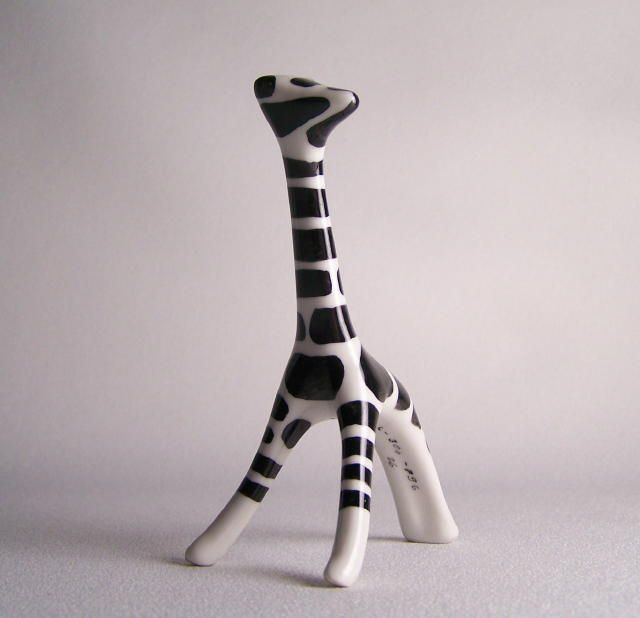 Vintage Cmielow Poland Porcelain Giraffe - another sick giraffe