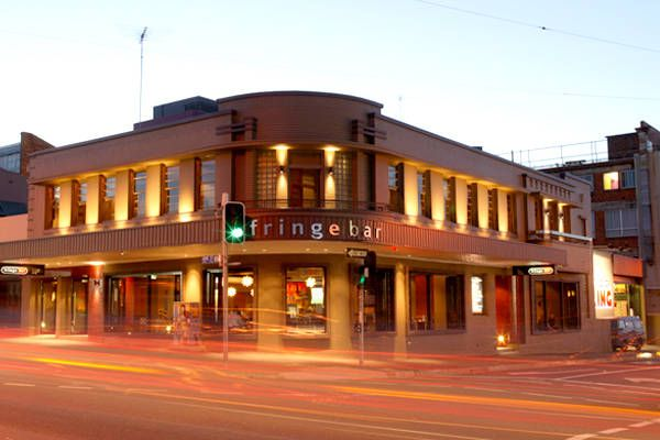 Iconic, bohemian pub offering weekly comedy nights, live entertainment and scrumptious cocktails. A must destination also for nerd battles at Trivia or eclectic vintage finds at Fringe Bar Markets. Enjoy lunch, dinner or a big night out.