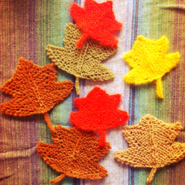 Knitting Pattern Oak Leaf : 44 best images about Crocheted and knitted leaves on Pinterest Free pattern...