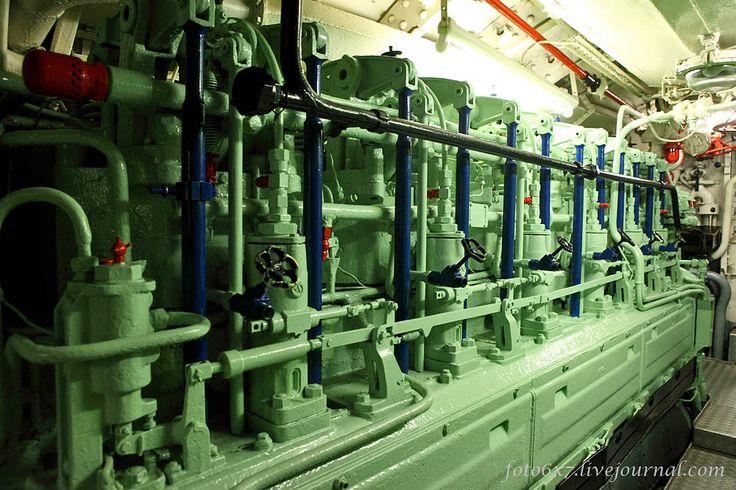 German U-boat engine: supercharged Germaniawerf, 6 ...