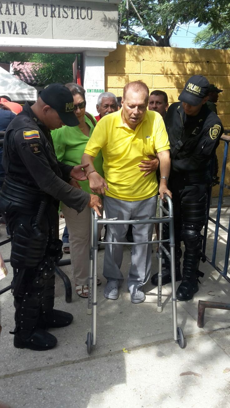 Todos los ciudadanos tienen derecho a elegir, la limitaciones físicas no son impedimento.