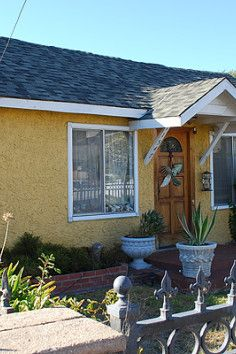 You'd never guess that this cheery yellow house was the site of one of the most violent and terrifying hauntings in history, but in 1974, it was home to a case so scary a film was based on it's events.The August 22, 1974 in Culver City, California, researchers Kerry Gaynor and Barry Taff weregiving a lecture at a local bookstore on paranormal research.They were approached by a woman about 30 years old named Doris Bither wholived in a small house with her family.Bither overheard th...