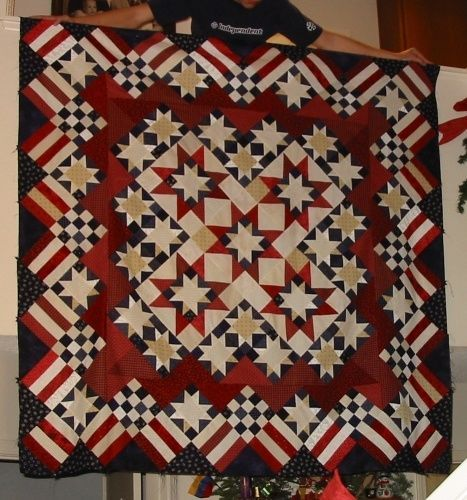Americana stars and stripes quilt. Lovely!