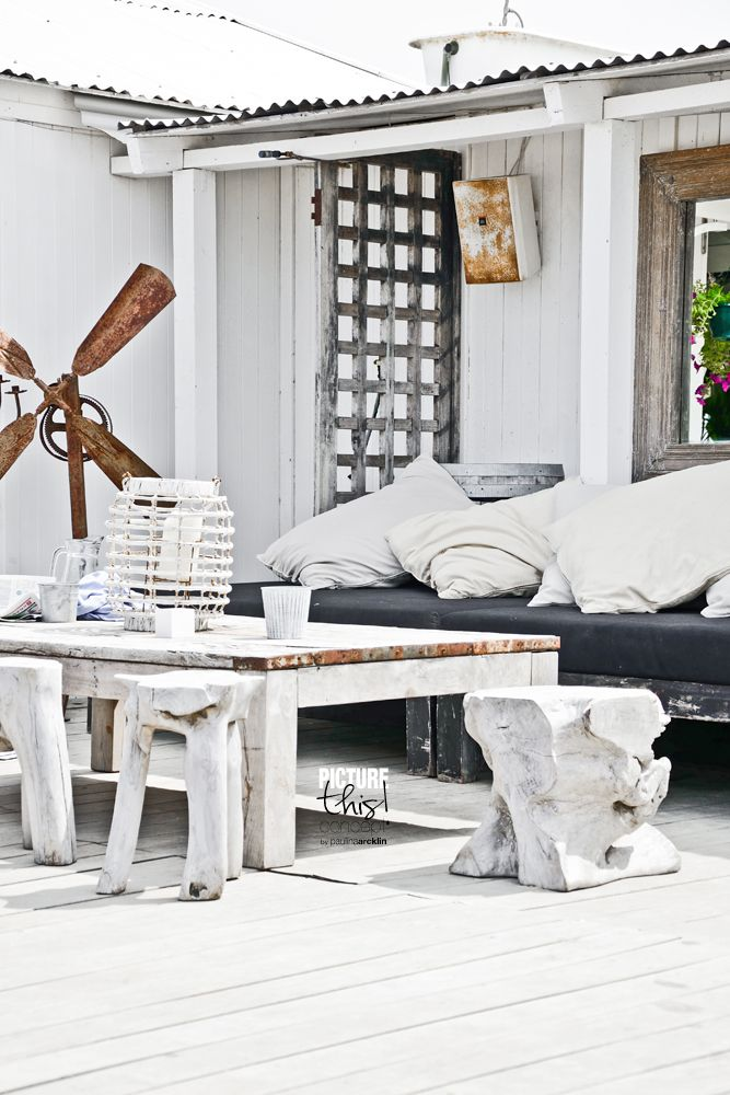 Rustic outdoor style = propeller, washed wood and black = Paulina Arcklin styling