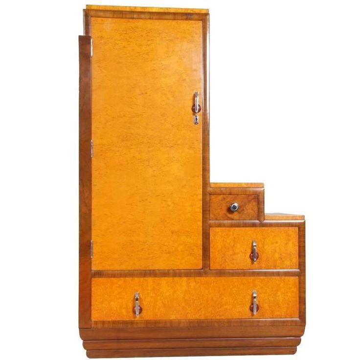 Art Deco Cabinet in Karelian Birch, circa 1930 1