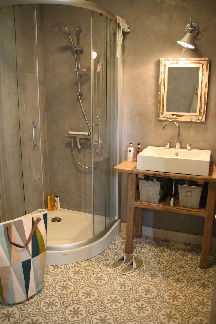 17 beste afbeeldingen over badkamer wanden tegels op pinterest toiletten tegel en portugese - Badkamer tegel cement ...