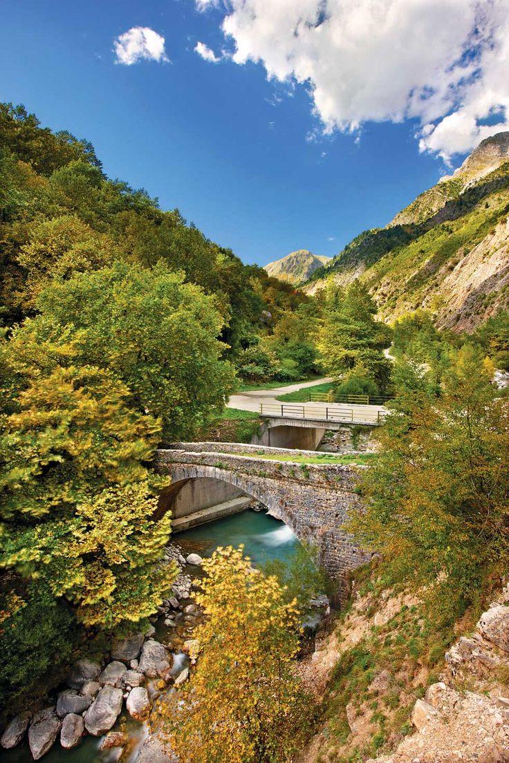 Αρτα: το παλιό και το νέο γεφύρι