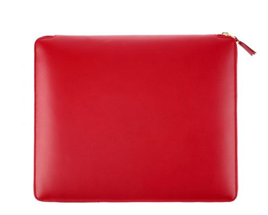 Comme des Garçons pochette iPad http://www.vogue.fr/mode/shopping/diaporama/pochettes-d-ipad/11209/image/658435#comme-des-garcons-pochette-ipad