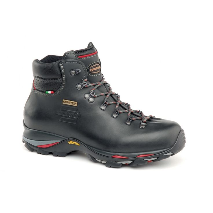 310 SKILL GTX - Light backpacking with comfort and protection. Upper construction with single piece of full grain leather, to perfectly wrap the foot and enhance sensitivity, comfort and control. PU insert for maximum shock absorption and durability. GORE-TEX® Performance Comfort membrane. Zamberlan® Vibram® LH07 outsole. #zamberlan #skill #discoverthedifference #backpacking