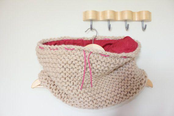 bufanda cuello de lana  que en su interior ha sido forrada con tela.