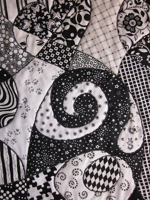 Zentangle Quilt Tutorial....... Hmmmmm I was just going to bring her flowers but maybe I should just make her this? hey much better I'm sorry gift after 11 years! don't you think?