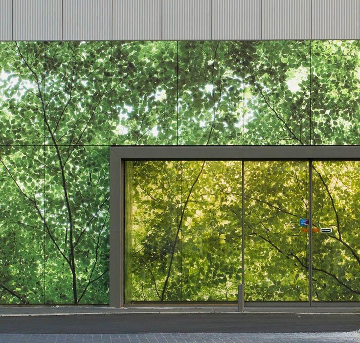 Laminate exterior walls for retail store by Abet Laminati