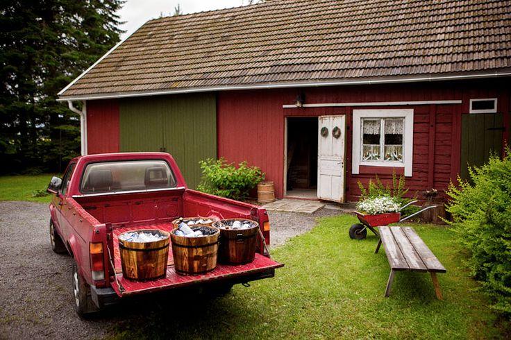 Traditional Finnish Weddings   Photographer: Oka Morikawa
