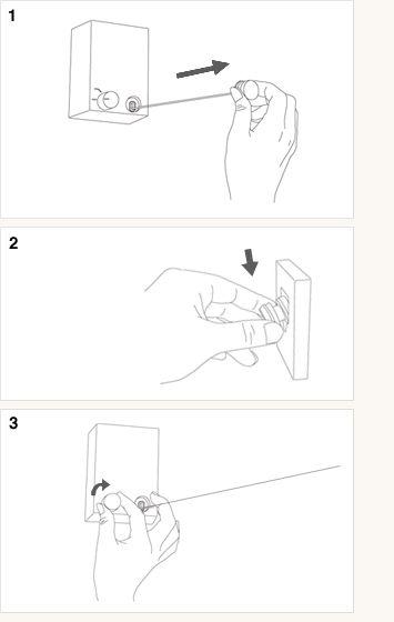 pid:  使い方  必要な時に、ワイヤーを伸ばして使う室内用物干しです。  1.本体から手前に向かってワイヤーを伸ばします。  2.反対側の壁に取り付けた専用フックに引っかけます。  3.本体側のロックをかけます。    ワイヤーは最長で3.6m、洗濯物は10kgまで干すことができます。