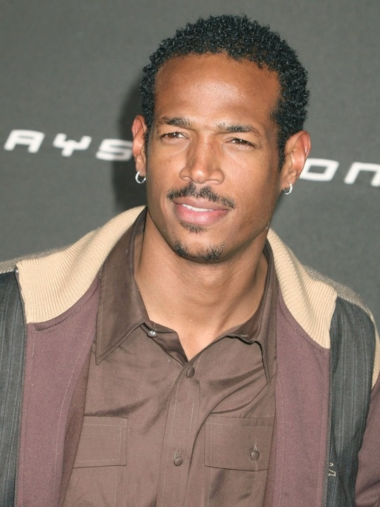 Marlon Wayans- I remember him from Mo' Money with his brother Damon, but man...I don't remember him being this handsome!  *thumbs up*