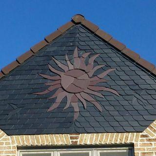 Soleil en ardoise naturelle toiture charpente for Toiture ardoise naturelle