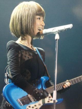 アーティストYukiのライブ。 幾つになってもかわいいビジュアルと歌声にうっとり。