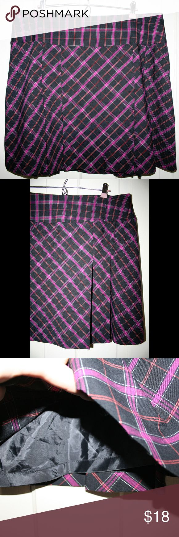 """Pleated plaid schoolgirl skirt Gently pre-loved without defects. Some stretch. Like new!  Waist: 39"""" around the top Length: 20""""  #punk #rocker #gothic #skater #sexy #cute #plus size Apostrophe Skirts Mini"""