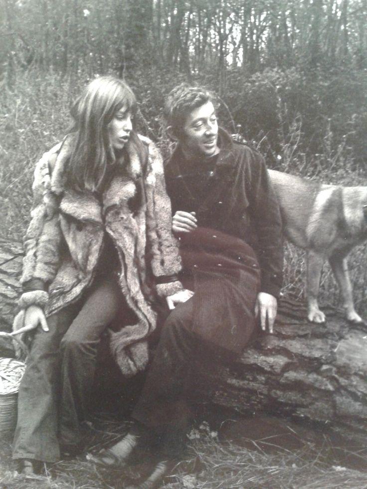 Photographie vintage de Jane Birkin et Serge Gainsbourg. Signature et cachet de l'artiste au dos. En vente sur atelier-xou.com