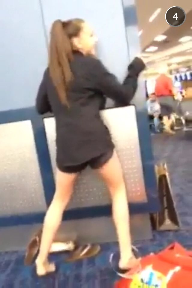Kendall shaking her butt on Maddie's snapchat ...