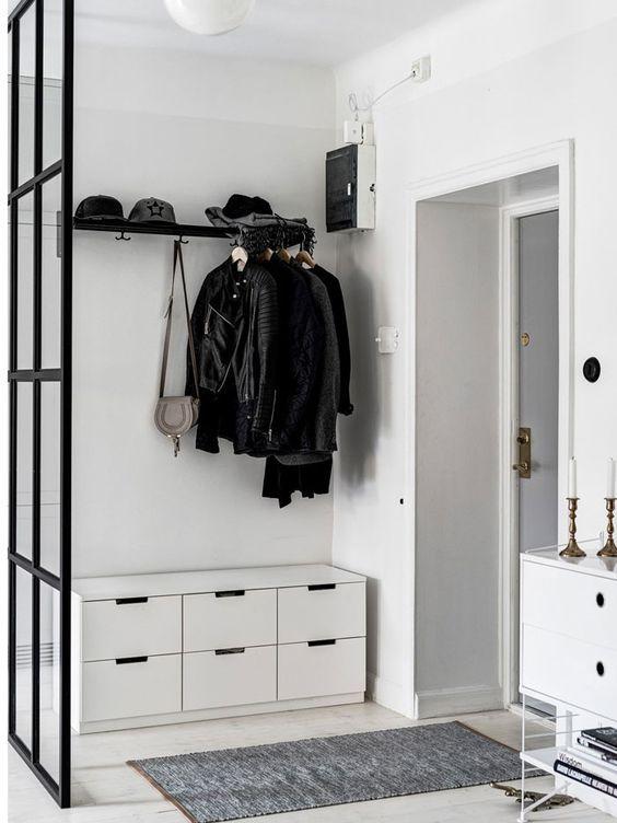 Las 25 mejores ideas sobre armario de vest bulo en - Armario blanco pequeno ...