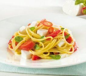 Vermicelli con mozzarella, filetti di San Marzano e basilico #ricette #granarolo