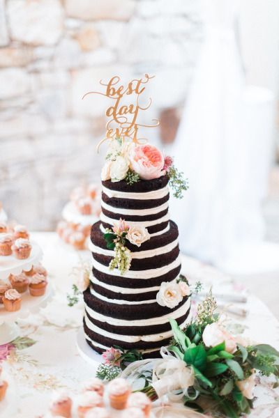 In love with this sweet cake: http://www.stylemepretty.com/texas-weddings/austin/2015/03/12/vintage-chic-wedding-at-the-vineyards-at-chappel-lodge/   Photography: Awake - http://www.awakephotographers.com/