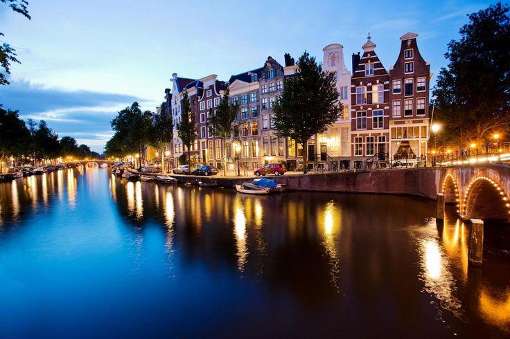 Canasinth - Cannabis Absinthe in Amsterdam. Wir hatten eine schöne Geschäftsreise nach Amsterdam und können die schöne Stadt nur empfehlen. www.absinthedistribution.ch