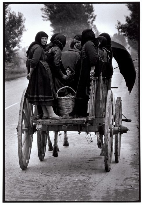 """Greece. Thessaly. 1964. Going to market. """"A Greek Portfolio"""" p.49 © Costa Manos/Magnum Photos"""