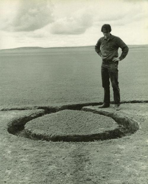 cavetocanvas:  Nine Nevada Depressions: Isolated Mass, Circumflex 1, with Artist- Michael Heizer, 1968.